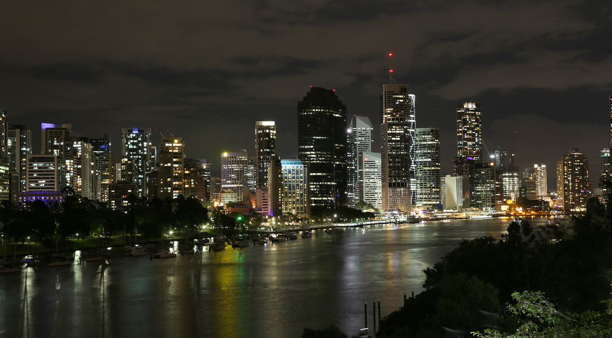 Brisbane CBD taken from the top of the cliffs at Kangaroo Point