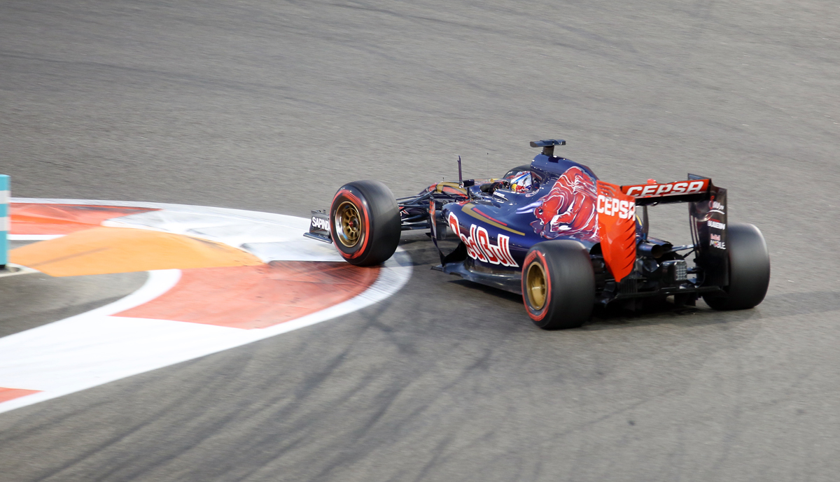 Abu Dhabi race Fri0392